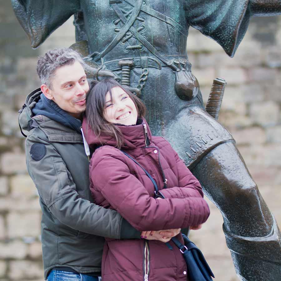 Couple photo shoot at the Robin Hood statue, Nottingham